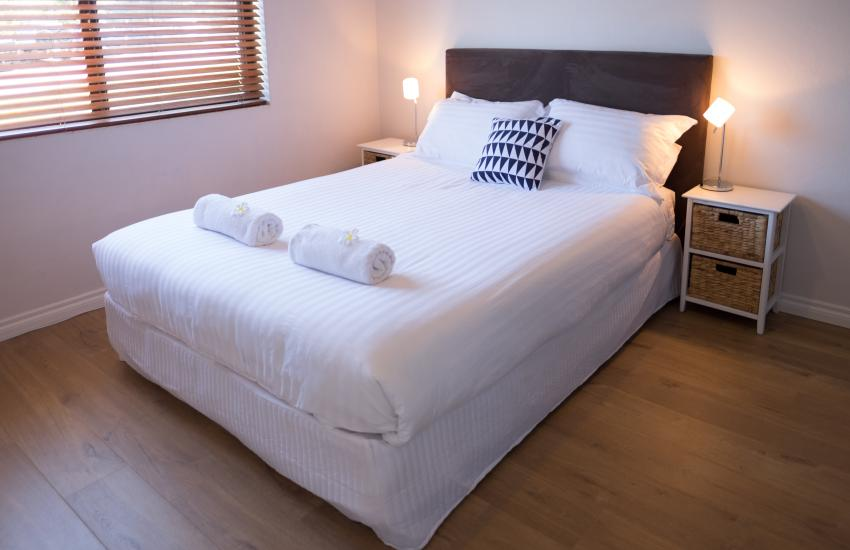 Cottesloe Beach on Napier - Master Bedroom - Cottesloe Fully Furnished Accommodation, Perth Western Australia