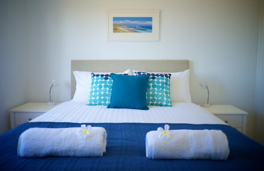 Cottesloe Marine Apartment - Bedroom - holiday accommodation rentals for short term stays in Perth