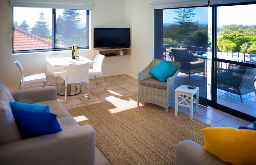 Cottesloe Marine Apartment - Living Area/Dining Area/Balcony - holiday accommodation rentals for short term stays in Perth