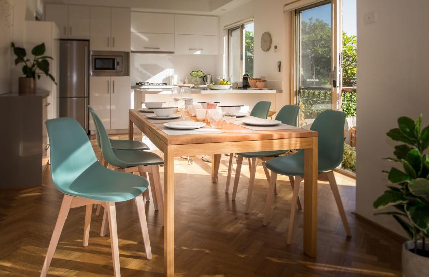 Forrest street Executive Villa - dining room - holiday accommodation rentals for short and long stays in Perth