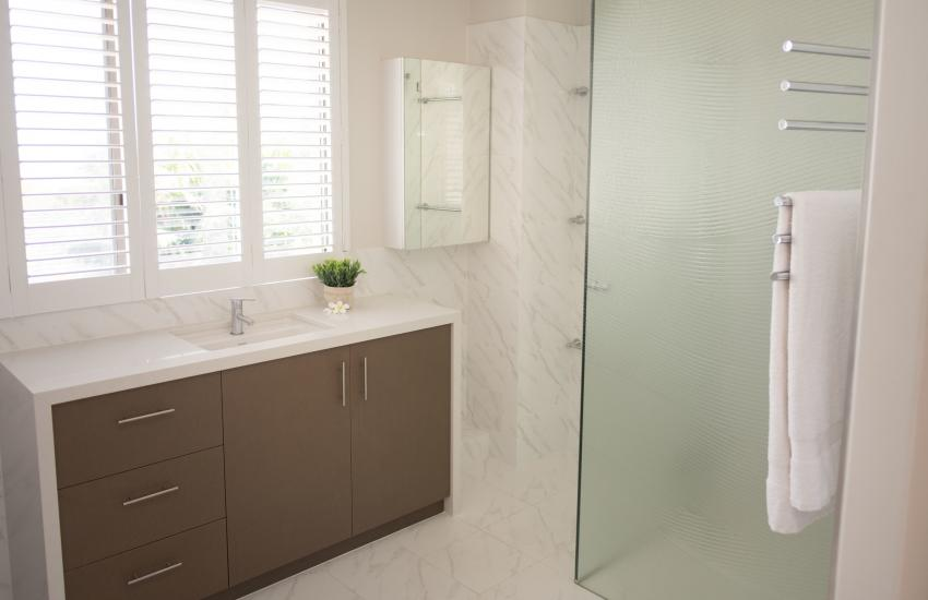 Forrest street Executive Villa -bathroom - holiday accommodation rentals for short and long stays in Perth