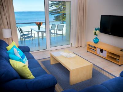 Oceanview Beach Apartment