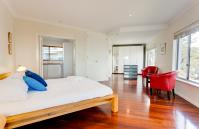 Cottesloe Contemporary Villa - Bedroom - holiday accommodation rentals for short  term stays in Perth