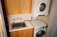 Skyview Claremont Apartment - Laundry - holiday accommodation rentals for short term stays in Perth