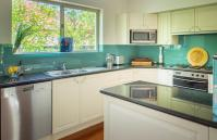 The Kinninmont House, Nedlands - Kitchen - Corporate Accommodation in Perth Western Australia