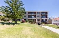 Cottesloe Marine Apartment - Front of Building - holiday accommodation rentals for short term stays in Perth
