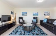 Skyview Claremont Apartment - Living Area - holiday accommodation rentals for short term stays in Perth