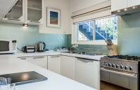 Swan River Executive Apartment - Kitchen - holiday accommodation rentals for short term stays in Perth