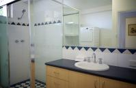 Cottesloe Marine Apartment - Bathroom - holiday accommodation rentals for short term stays in Perth