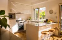 Forrest street Executive Villa - kitchen - holiday accommodation rentals for short and long stays in Perth
