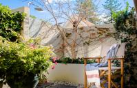 Forrest street Executive Villa - outdoor shower - holiday accommodation rentals for short and long stays in Perth